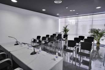 Sala de conferencias. 00